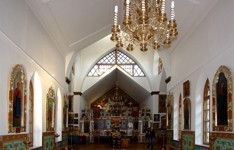 Началась роспись храма Всех крымских святых и Феодора Стратилата