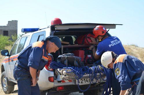 БМВ  сорвался собрыва вСевастополе. шофёр  умер