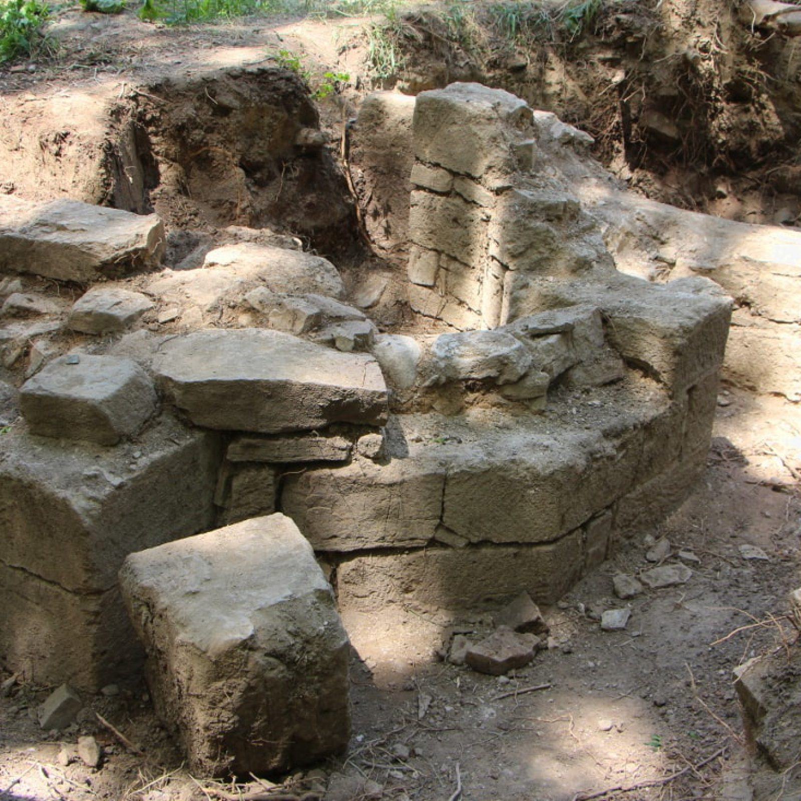 Под Судаком идут раскопки древнего христианского храма