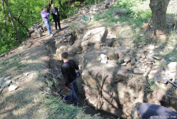 Судак: археологи нашли древний христианский храм (+видео)