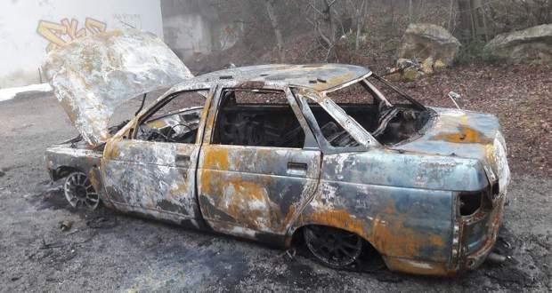 В Ливадии сгорел автомобиль. Ищут владельца!