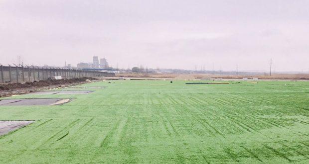 На футбольном поле Керчи искусственное покрытие презентуют в середине декабря