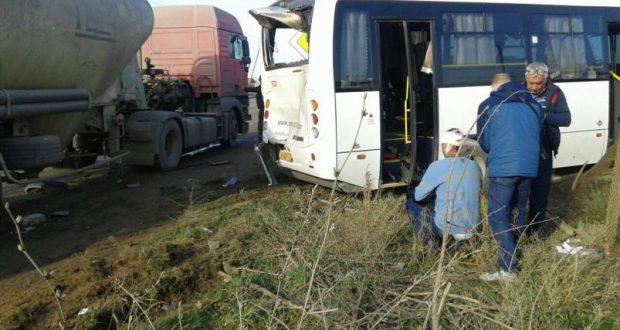 ДТП в Симферопольском районе: бетономешалка въехала в рейсовый автобус
