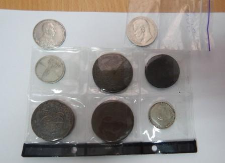 Гражданин Украины пытался ввезти в Крым монеты, медали и значки