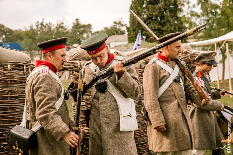 600 конструкторов и 300 единиц пиротехники. Крымский военно-исторический фестиваль завершён