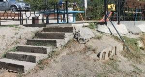 Благоустроенный двор не благоустроен - вывод активистов ОНФ! Инцидент в Алуште