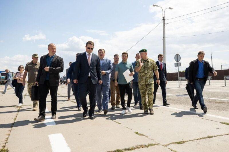 Президент Украины Владимир Зеленский побывал на границе с Крымом