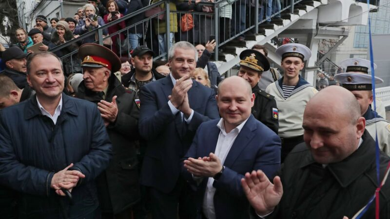 Первый поезд прибыл в Крым